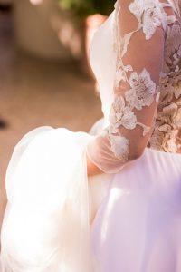 La belleza del encaje de un vestido de novia de Cotonnus